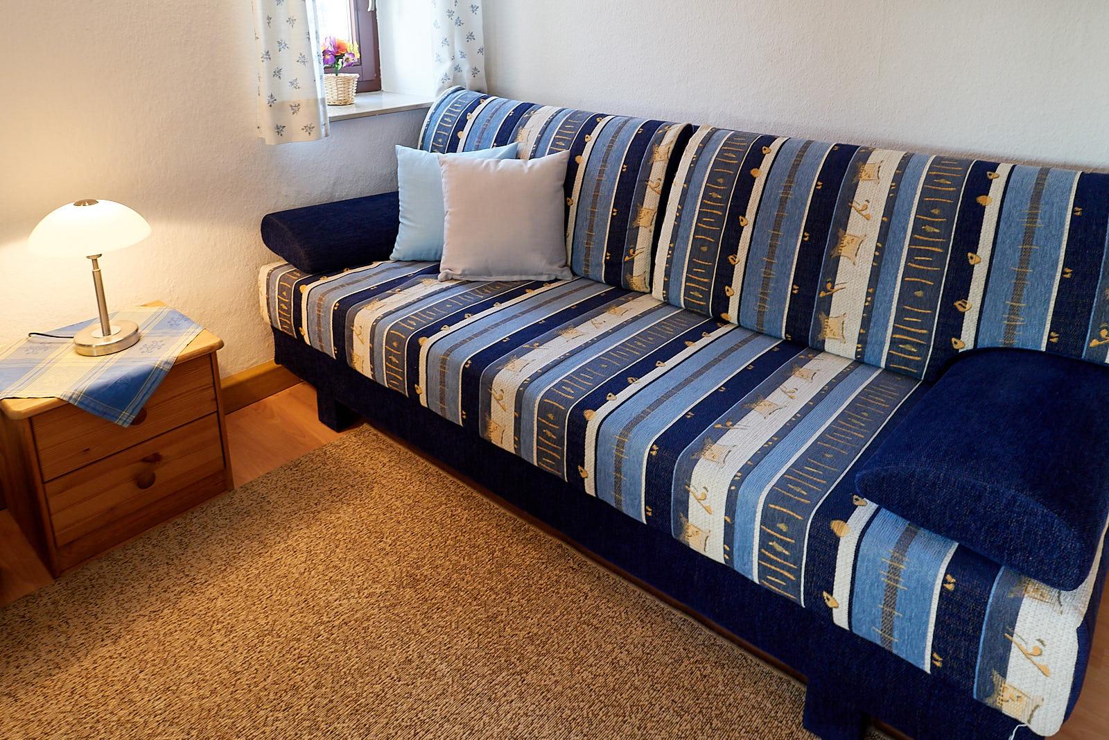 Ferienwohnung 2 - 3 Personen: Wohnraum mit Schlafliege