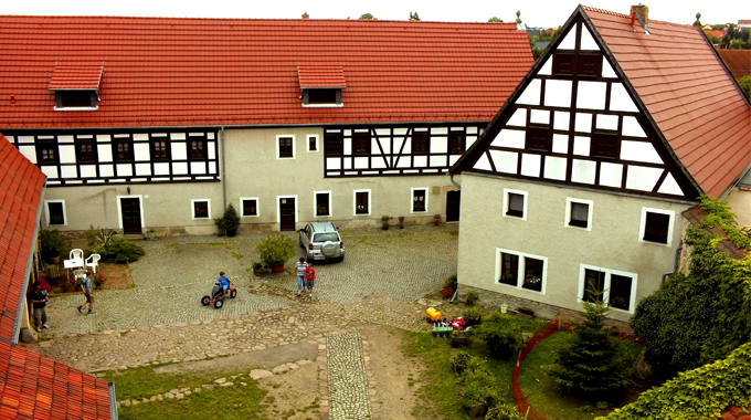 Lufbild-Innenhof-Pension-Geastehof-Fehrmann